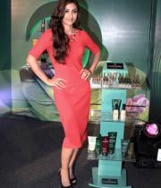 soha-ali-khan-at-rene-furterer-revlon-cosmetic-launch-5