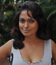 sokkali_tamil_movie_hot_stills_3003120745_039