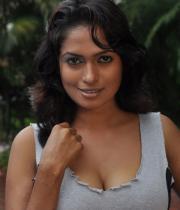 sokkali_tamil_movie_hot_stills_3003120745_044
