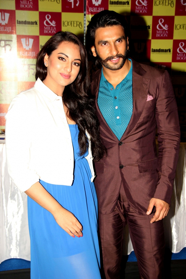 Index of /wp-content/gallery/sonakshi-sinha-at-launch-mills-boon-novels