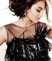 sonakshi-sinha-latest-hot-photos-2