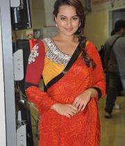 sonakshi-sinha-latest-photos-1