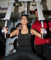 sonal-chauhan-gym-workout-hot-photos-2