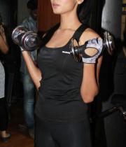 sonal-chauhan-gym-workout-hot-photos-24