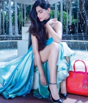 sonam-kapoor-new-hot-photo-shoot-10