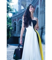 sonam-kapoor-new-hot-photo-shoot-4