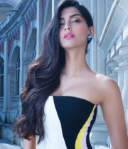 sonam-kapoor-new-hot-photo-shoot-9