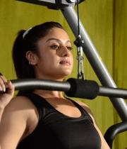 sonia-agarwal-hot-gym-photos-1