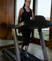 sonia-agarwal-hot-gym-photos-4