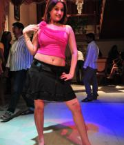 sonia-agarwal-hot-item-song-photos-10