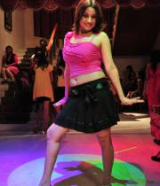 sonia-agarwal-hot-item-song-photos-19