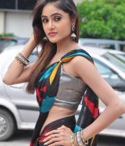sony-charista-sleeveless-saree-photos-16