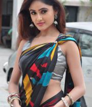 sony-charista-sleeveless-saree-photos-20