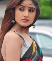 sony-charista-sleeveless-saree-photos-4