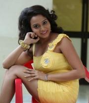sony-jhansi-latest-hot-photo-stills-320