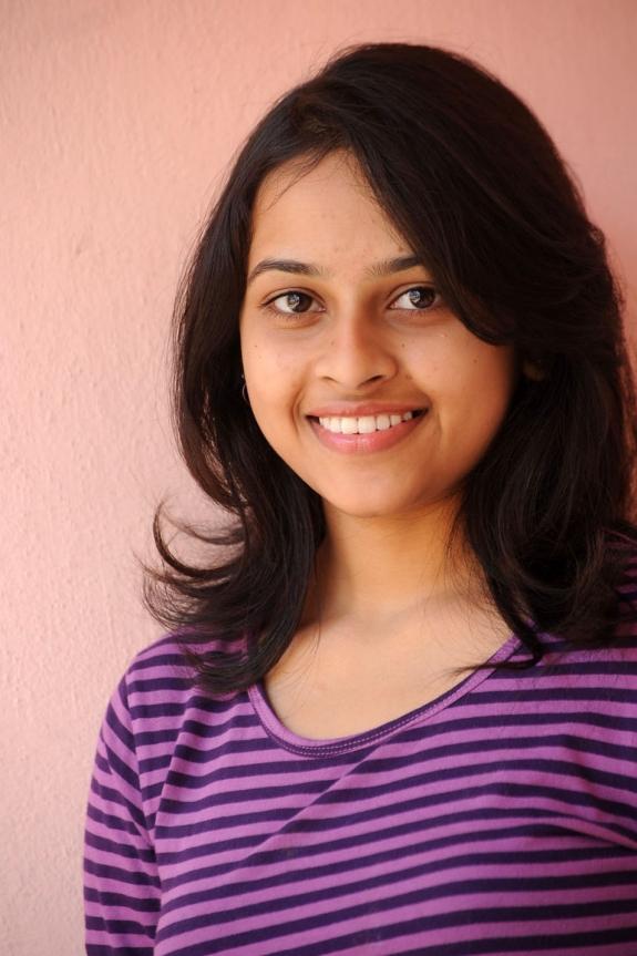 sri-divya-cute-photos-05