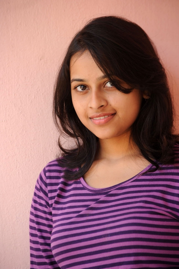sri-divya-cute-photos-10
