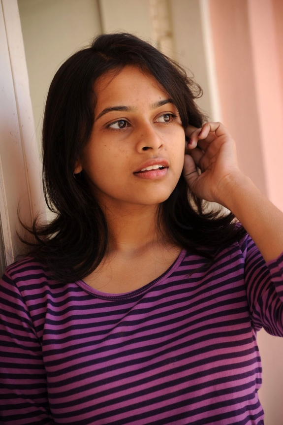 sri-divya-cute-photos-11