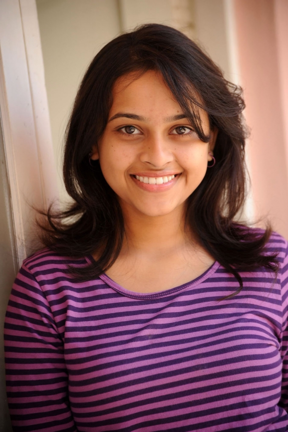 sri-divya-cute-photos-15