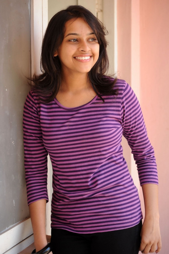 sri-divya-cute-photos-16