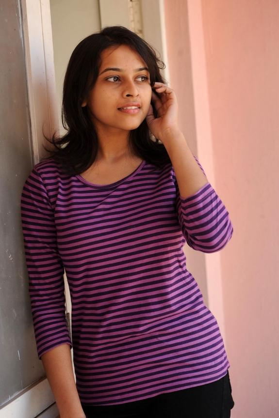 sri-divya-cute-photos-19