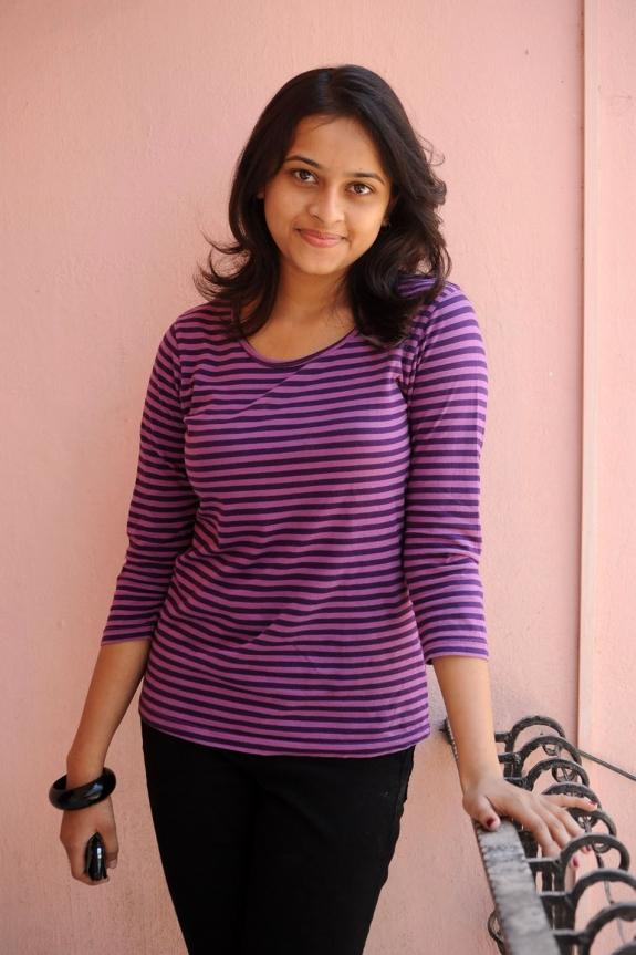 sri-divya-cute-photos-22
