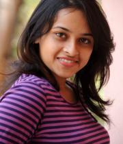 sri-divya-cute-photos-23