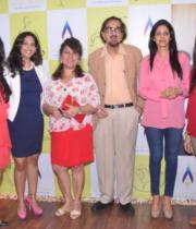 sridevi-at-the-launch-of-cosmic-yoga-center-9