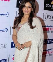 stars-at-gr8-women-awards-2013-10