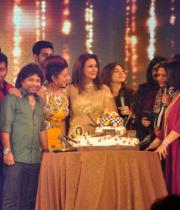 stars-at-poonam-dhillon-birthday-bash-25