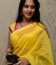 surekha-vani-saree-stills-at-yevadu-press-meet-11