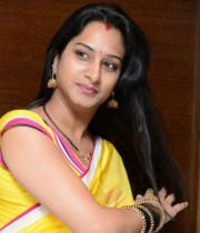 surekha-vani-saree-stills-at-yevadu-press-meet-21