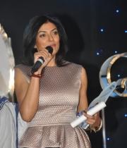 sushmita-sen-at-mother-teresa-memorial-awards-13