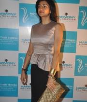 sushmita-sen-at-mother-teresa-memorial-awards-20