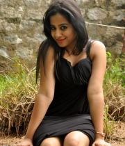 actress-swathi-deekshith-hot-pics1379735528