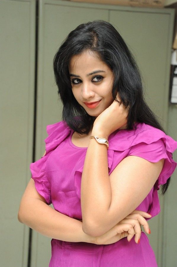 swati-dixit-latest-photo-stills-02