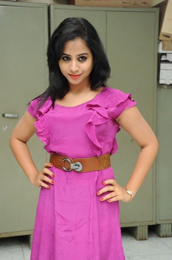 swati-dixit-latest-photo-stills-04