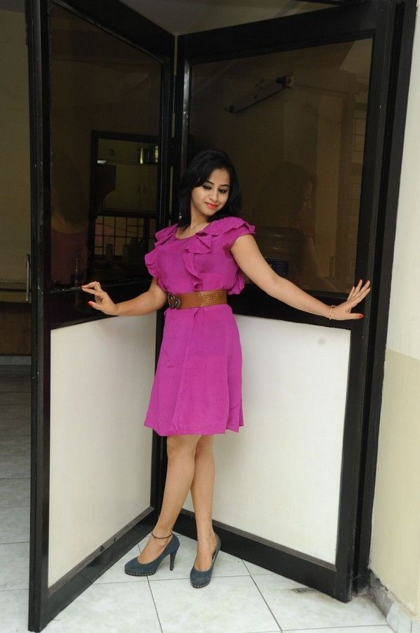 swati-dixit-latest-photo-stills-05