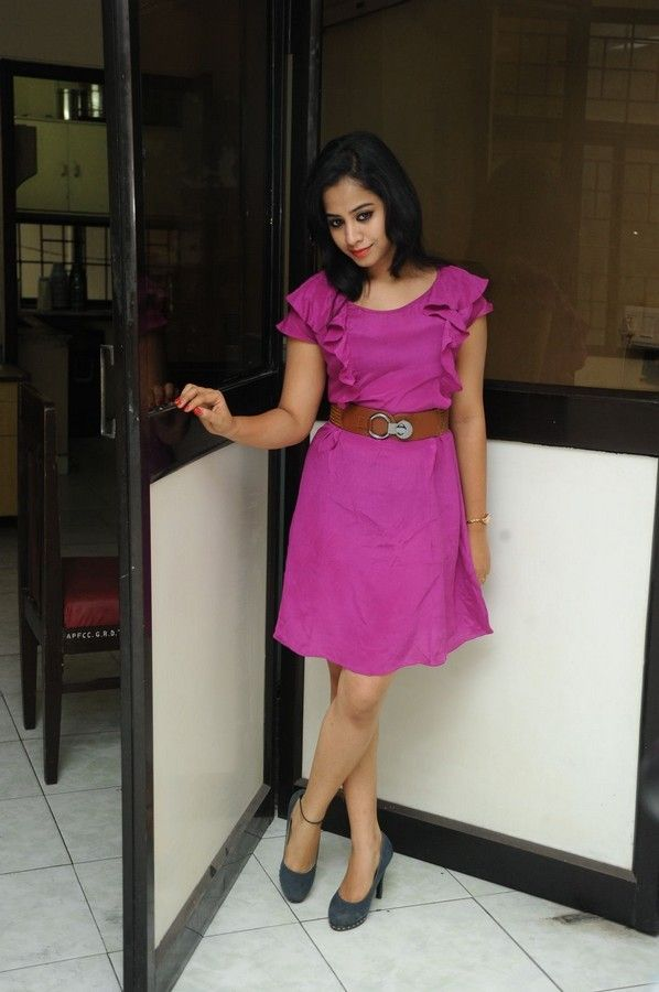 swati-dixit-latest-photo-stills-06