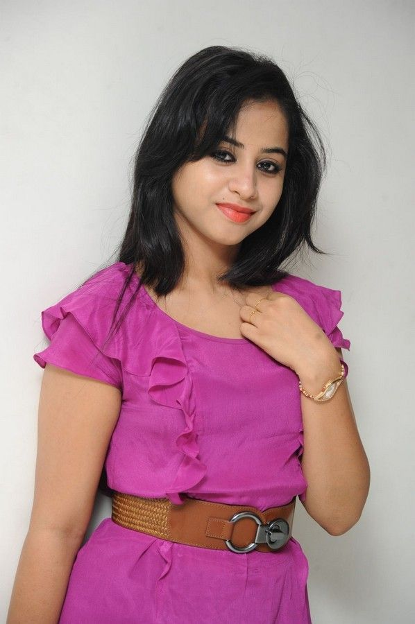 swati-dixit-latest-photo-stills-09