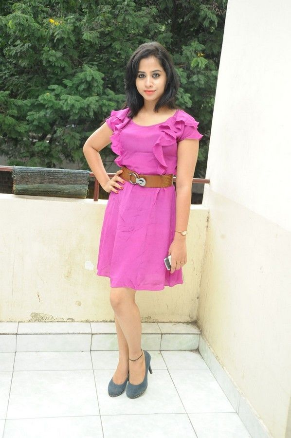 swati-dixit-latest-photo-stills-11