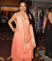 swetha-basu-photos-at-fashion-run-show-25
