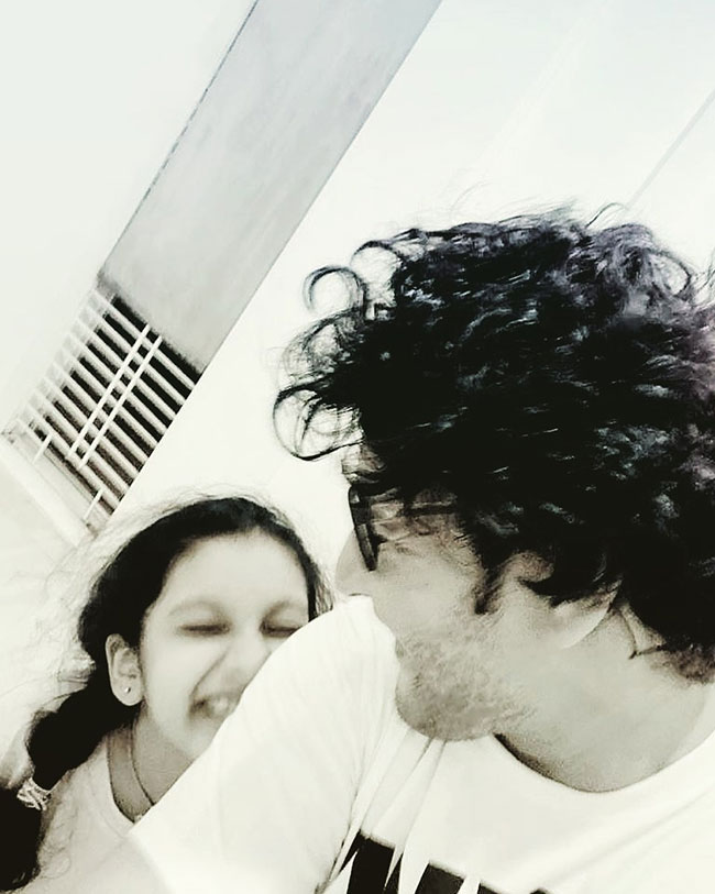 Mahesh new look with Sitara