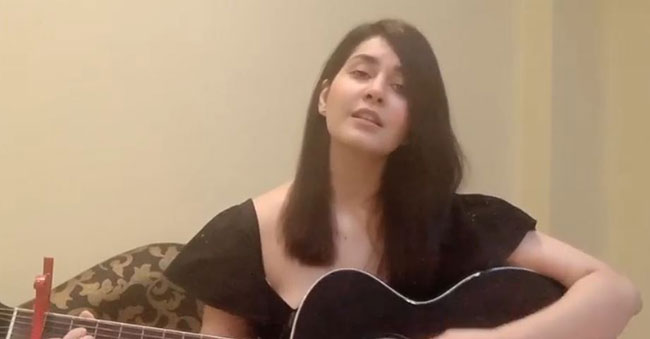 Raashi Khanna Showed Her Guitar And Singing Talent