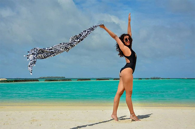 Tejaswi BIkini Show On The Beach